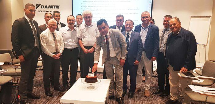 İSİB Yönetim Kurulu Üyeleri ihracattaki artışı kutladı