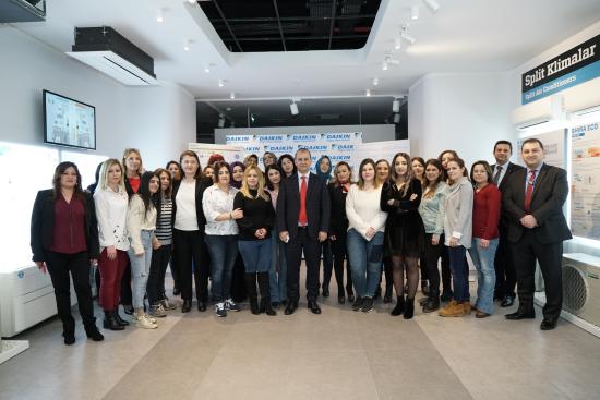 Daikin 8 Mart'ı Sektöre Kazandırdığı Kadın Bayileri ve Teknisyenleri ile Birlikte Kutladı
