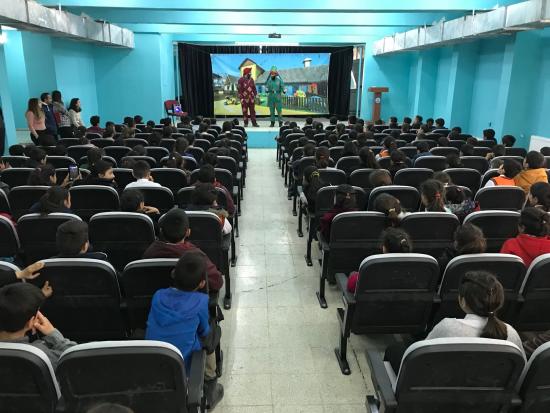 Ayvaz'dan Eğitime Destek