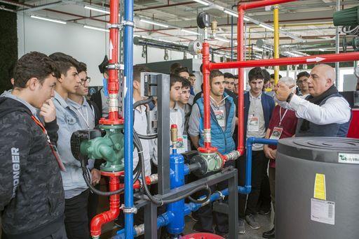 Teknik Lise Öğrencileri Baymak Akademi'de Uygulamalı Eğitimini Tamamladı