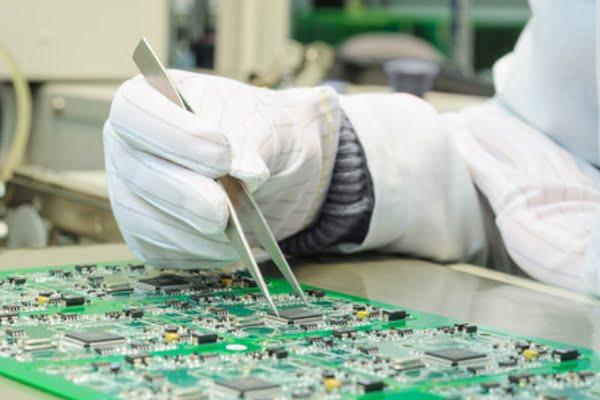 Bu Müşteri Rehberi Elektronik Üretimi için Nemlendirmeye Odaklanıyor