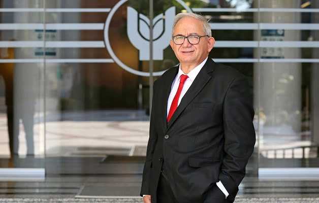 """Prof. Dr. Arif Hepbaşlı """"En Başarılı Bilim İnsanları"""" Listesinde"""